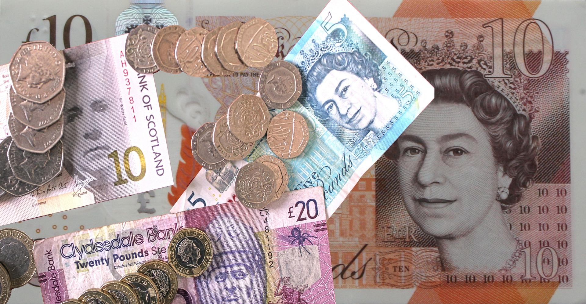 money 4131986 1920