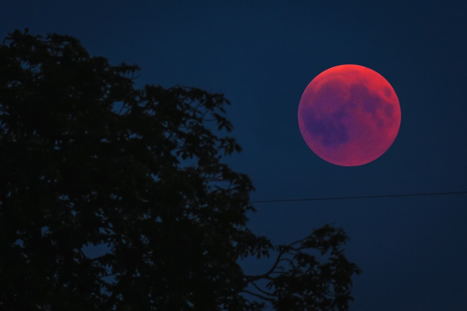 blood moon 3570417 1920